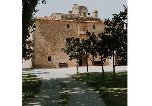 jardín entrada bodas castillo cortal gran